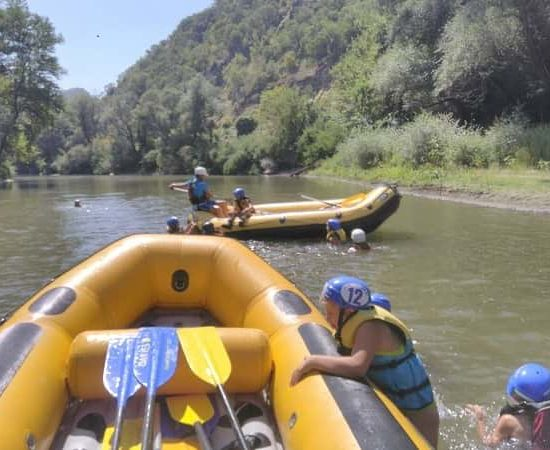 rafting exercises during children's camp