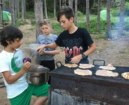 barbecue and dinner during children's camp