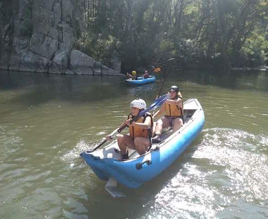 kayak exercises during children's camp