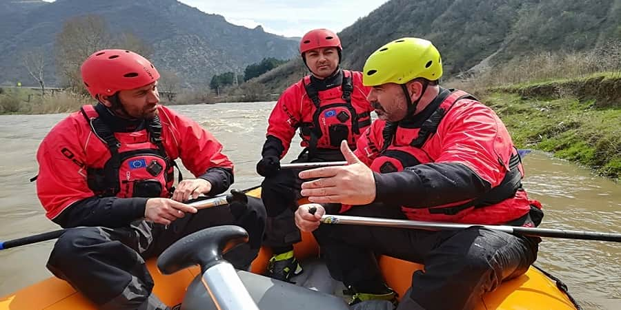 Rafting guides courses and assessments