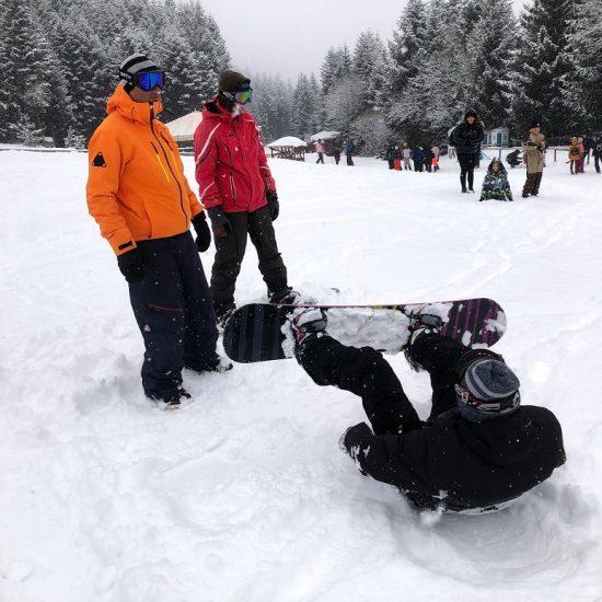 Зимни услуги от Adventure Net   Ски и сноуборд училище