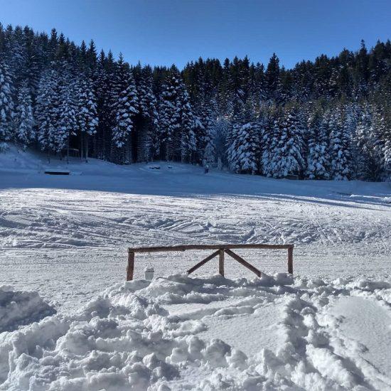 зима при долна станция на лифт рилски езера